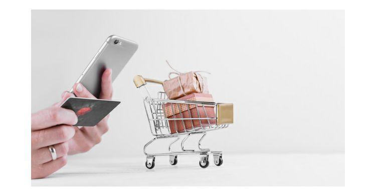 Mi pratimo trendove u e-commerce-u